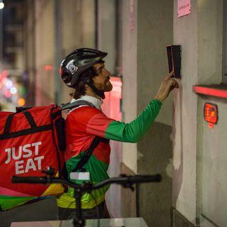 Covid e cibo a casa: i dati just eat - Radio Number One Tech