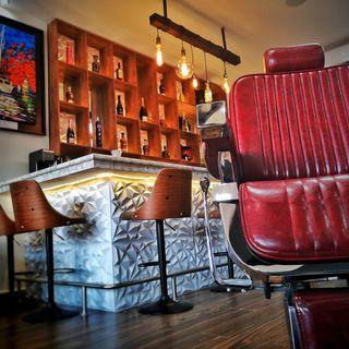 HOLLYWOOD / Barbercuts. Shop n Drinks