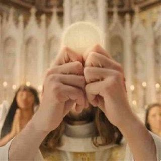 I fedeli concelebrano con il sacerdote?