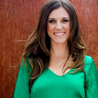 Ep. 753 - Amy Jo Martin (Sports Social Media Pioneer)