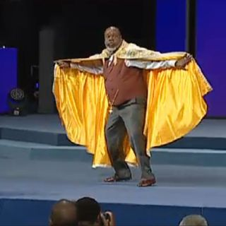 Bishop T.D Jakes - Every time the devil comes against you, shake your rag at him! - Potter's Touch