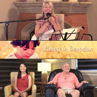 """Living in Devotion"" Online Weekend Retreat  - Closing Session with David Hoffmeister and Frances Xu"