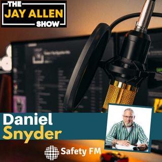 Daniel Snyder returns