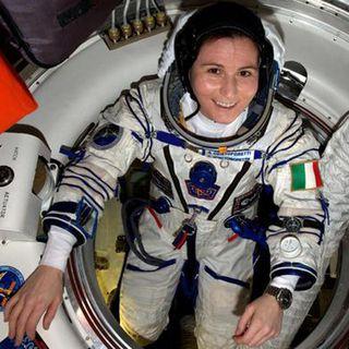 Vita da astronauta, la comandante Cristoforetti si racconta