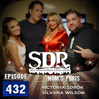 Victoria Zdrok & Silvana Wilson (Mother/Daughter Models) - Mom's Pubis