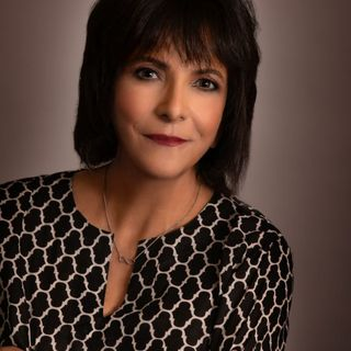 Author Theresa Dominguez Weiss talks about deathwalking in her latest book on The Mike Wagner Show!