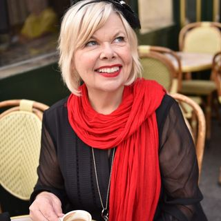 Parisian Charm School - Big Blend Radio Interview with Author Jamie Cat Callan