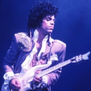 PRINCE, l'omaggio del mondo musicale statunitense con un evento registrato lo scorso gennaio e trasmesso in aprile.  Andiamo poi al 1984....
