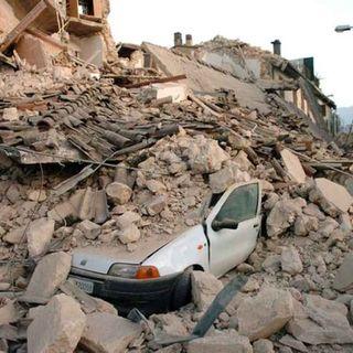 """L'Aquila, 12 anni fa il sisma. Il sindaco: """"Ecco la forza interiore della gente di montagna"""""""