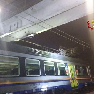 Tranciati i cavi della linea ferroviaria: disagi e paura sulla Milano-Venezia