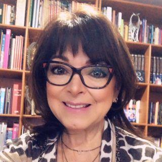 """Gaby Pérez Islas y Mercedes D'Acosta hablaron de su nuevo libro """"Tu camino para sanar""""."""