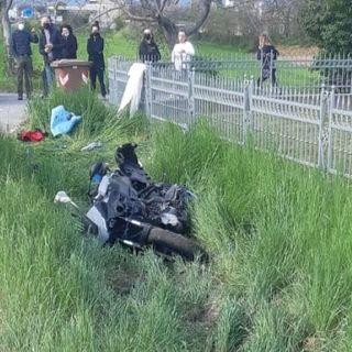 Frontale auto-moto sulla provinciale: tre feriti, due dei quali in rianimazione