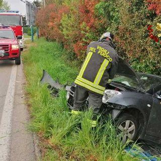 Esce di strada in Marosticana all'ora di punta: ferito un automobilista