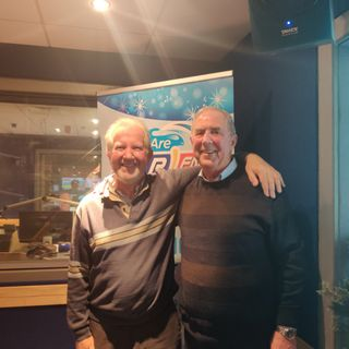 Members of local, male voice choir Dordán give details of their Christmas concert