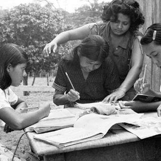 Cubriendo la Cruzada Nacional de Alfabetización
