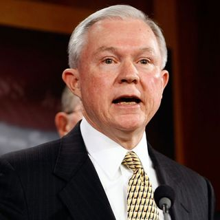 White House Expresses Confidence In Sessions