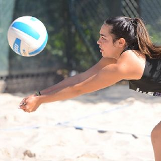 Makenna Joyce unleashes for Pleasant Valley volleyball