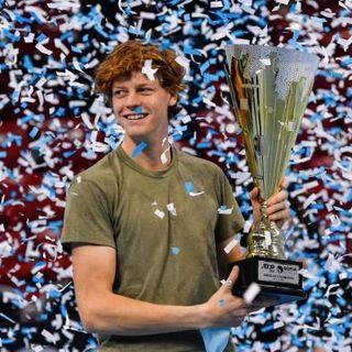 Tennis, la favola di Sinner: il più giovane italiano di sempre a vincere un torneo Atp