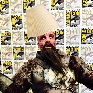216: Lampshade Face!