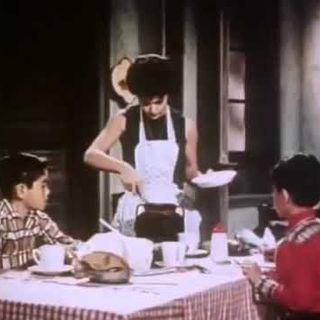 Chabelo pelea con Cantinflas