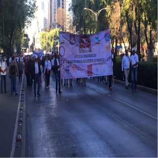 Trabajadores de Pemex marchan a Gobernación