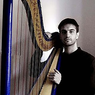 Raoul Moretti: an unconventional harpist