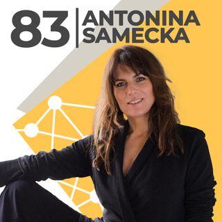Antonina Samecka-zaczęło się od szarej bluzy z kapturem-RISK made in Warsaw