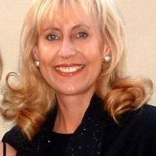Miranda Pretorius saam met Sister Esme Potgieter van Hospice
