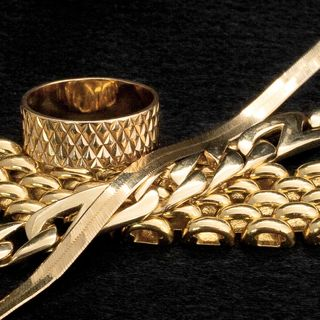 Are We Required to Pay Zakaat on Personal Jewelry?
