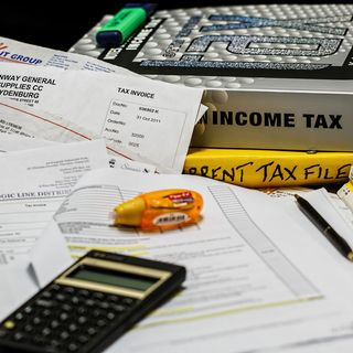 Should I Prepare My Own Taxes?