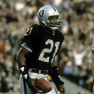 Raider Life Podcast: Legendary Raiders WR Cliff Branch!