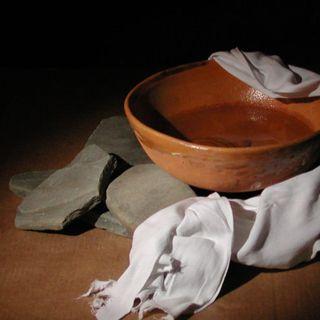 Dlaczego Jezus umył nogi swoim uczniom - Tomasz Guńka