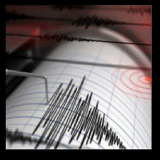 Terremoto de 7.8 golpeó la costa de Alaska