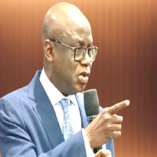 Pastor Bakare Condemns Crackdown On #EndSARS Protesters, Asks FG To Unfreeze Accounts