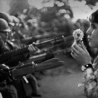 Sguardi inVersi - Fiori e rivoluzioni