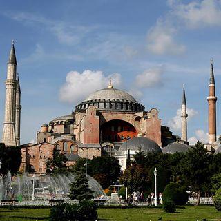 Istanbul, a Santa Sofia non si entra più