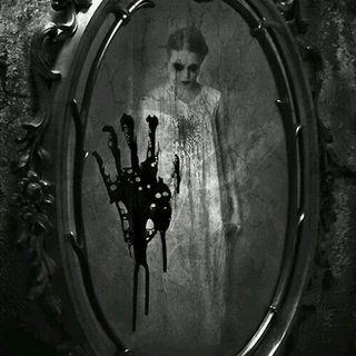 Aynaya Bakma İntihar Edersin