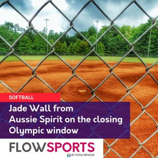 Jade Wall from Aussie Spirit (@Aussie_SpiritOZ) @SoftballOz on the gold medal window