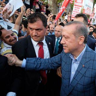 Oltre Bosforo - Erdogan cerca a destra