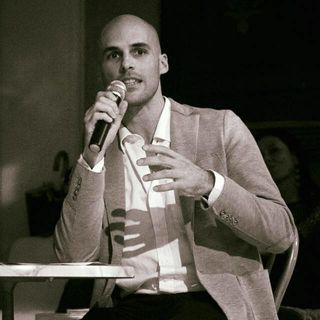 """Lettura incipit """"Uno, nessuno e centomila"""" di Luigi Pirandello"""