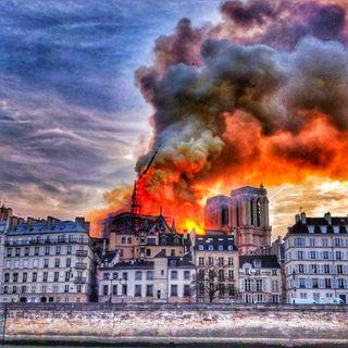 TG Europeo Notre Dame brucia, ma la ricostruiremo!