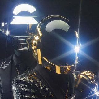 036 MIXEDisBetter - Daft Punk (To the Moon and Back)