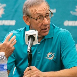 Dolphin Talk Daily 6/25: Mailbag Show-Next Fins Owner Bruce Beal Jr, O-line Depth, WR battle