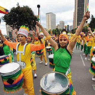 25 años de festivales de comparsas en Bogotá