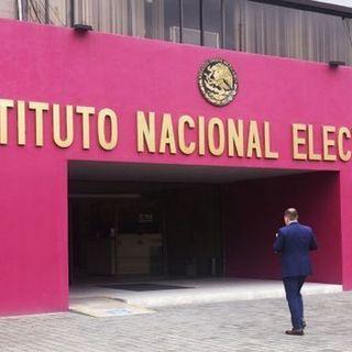 Diputados del PAN denuncia ante el INE a Amlo por caso BOA