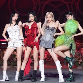 1.KILL THIS LOVE - THE SHOW