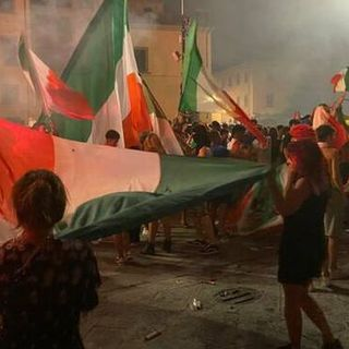 Risse e disordini durante i festeggiamenti per la vittoria dell'Italia agli Europei di calcio