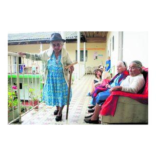 Adelantan pensión a adultos mayores en México