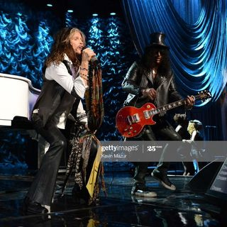 Walk This Way - Steven Tyler, Slash and Dave Grohl