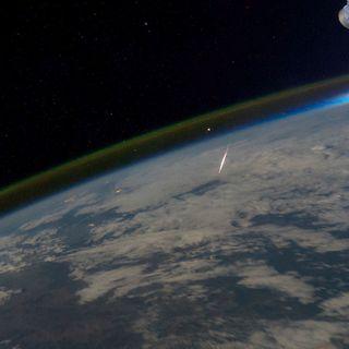 99E-111-Green Meteors